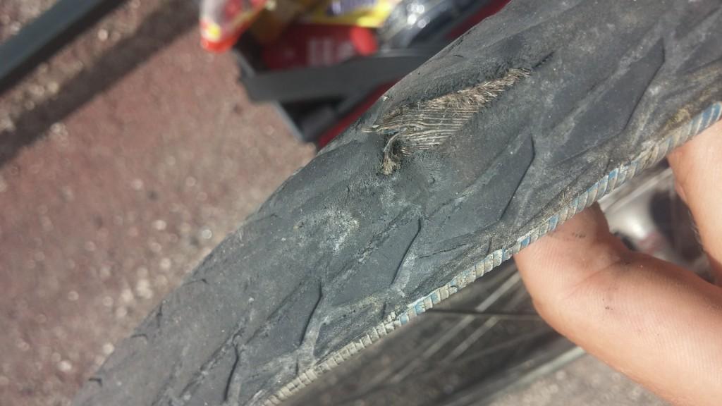 Das wars dann wohl mit dem Reifen :-(