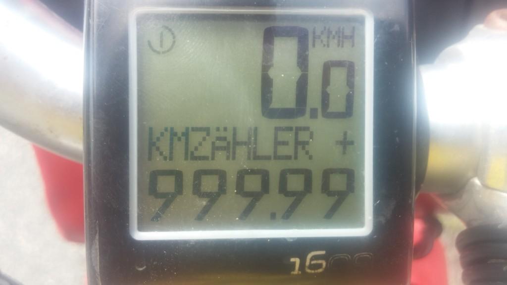 Tataaaa - meine ersten 999,99km. Danach ist der Zähler wieder auf 0 gesprungen :-(