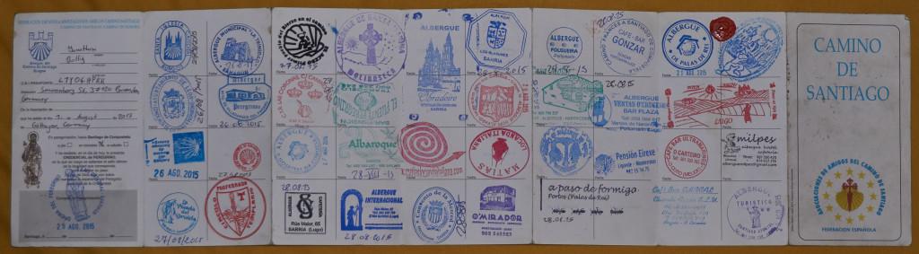Mein Pass, gefüllt mit vielen Stempeln :-)